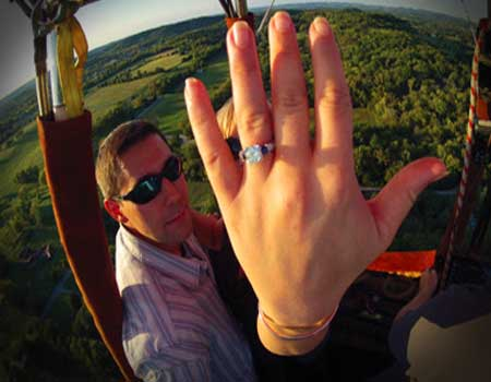 hot air balloon engagement, engagement in hot air balloon. tennessee