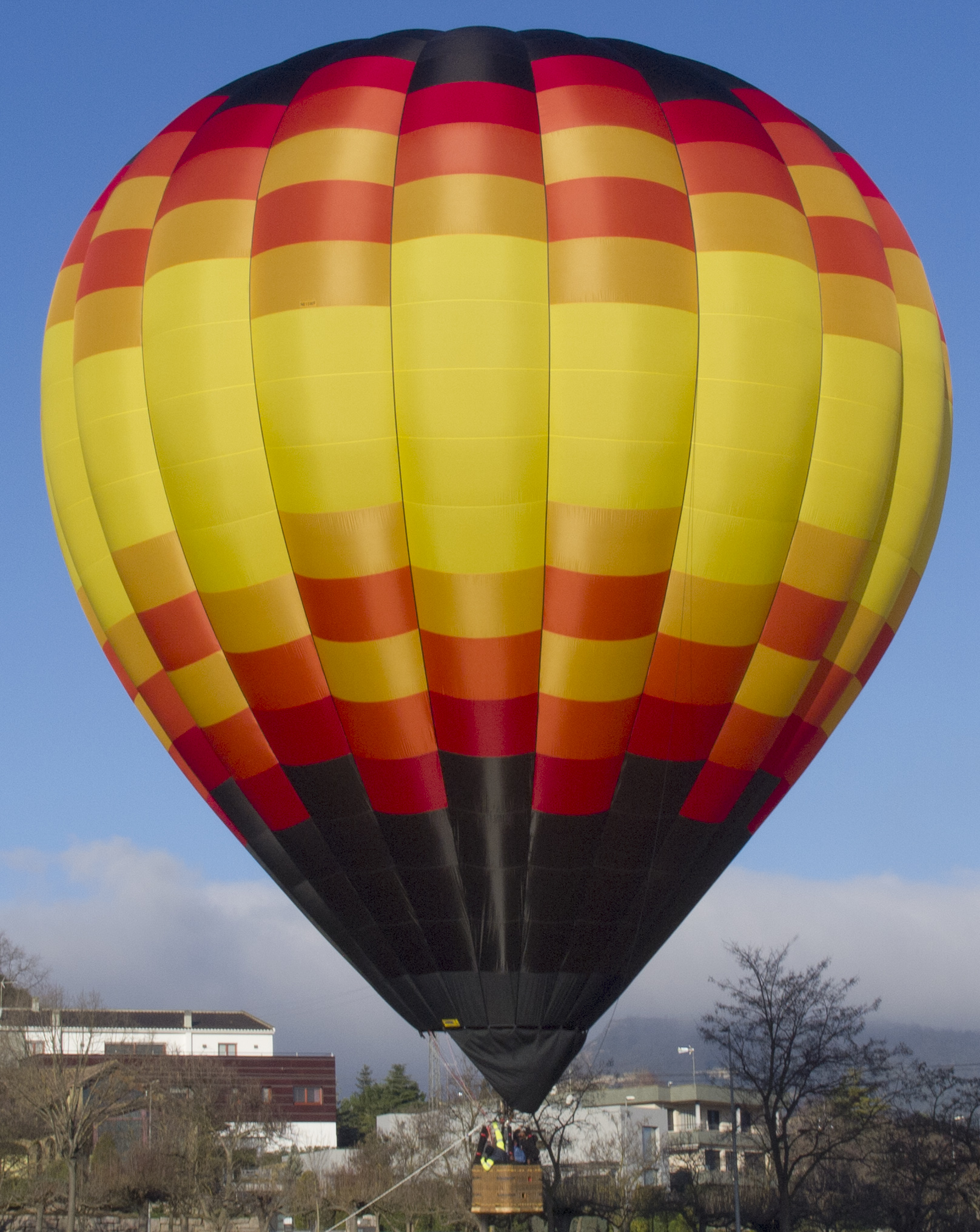 hot air balloon flying over franklin tennessee